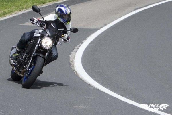 Test MissBiker: la nuova Suzuki SV650 - torna la fun bike 25