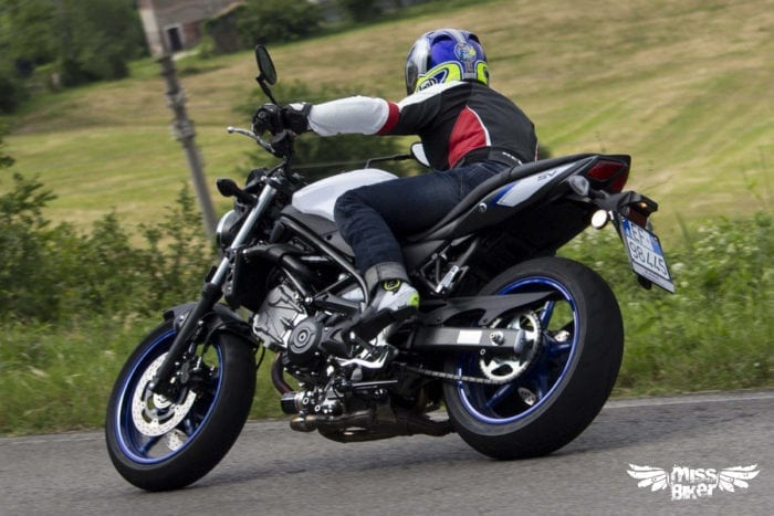 Test MissBiker: la nuova Suzuki SV650 - torna la fun bike 32