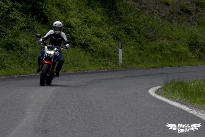 Test MissBiker: Honda CB500f 25
