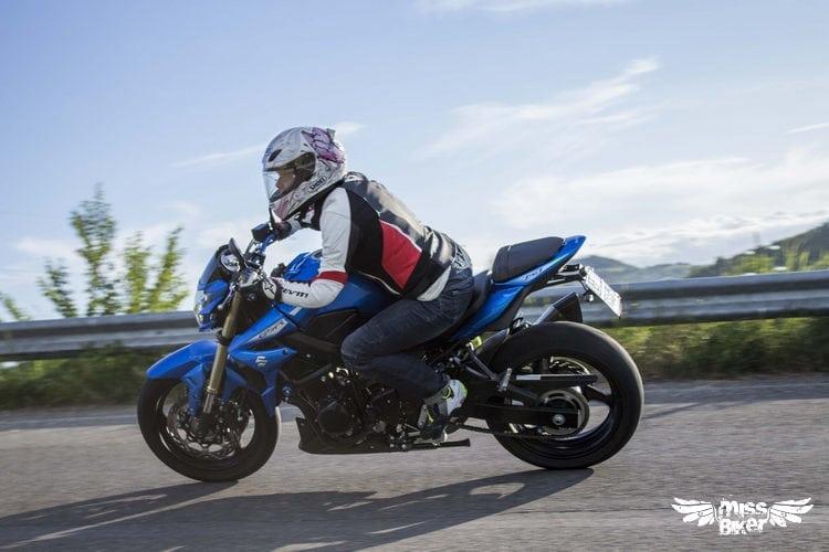 Test MissBiker: Suzuki GSR750 SP ABS: il giusto equilibrio 12