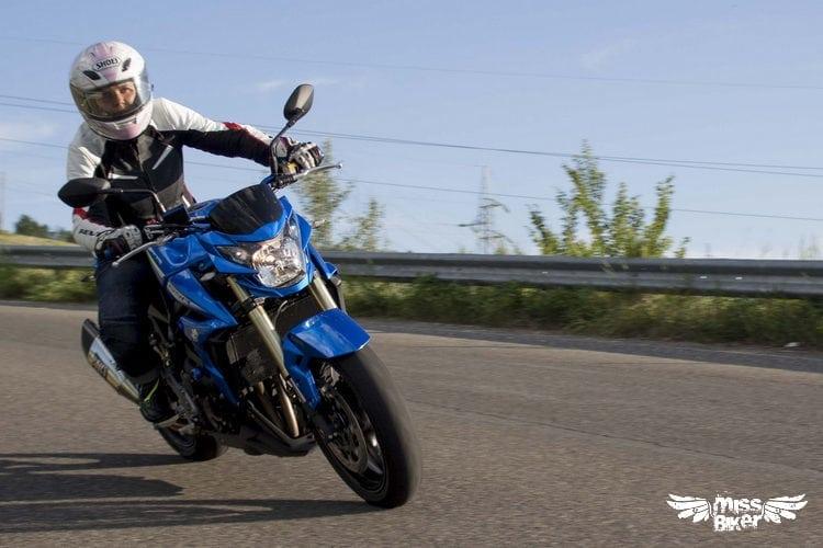 Test MissBiker: Suzuki GSR750 SP ABS: il giusto equilibrio 13
