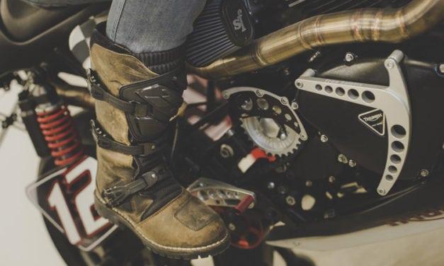 Tutorial: pulire gli stivali da moto