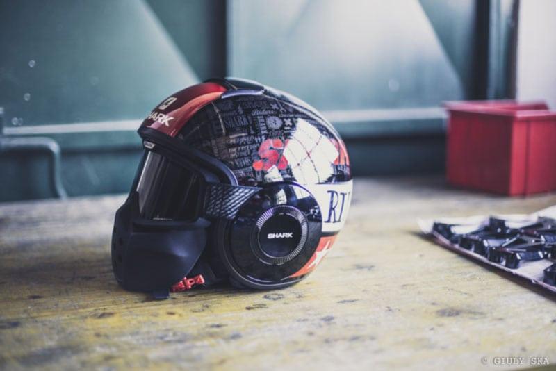 L'affascinante storia del casco da motociclista