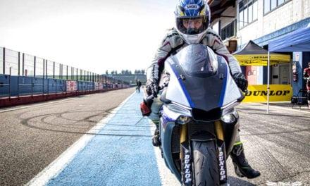 Test: Yamaha YZF-R6 e YZF-R1M