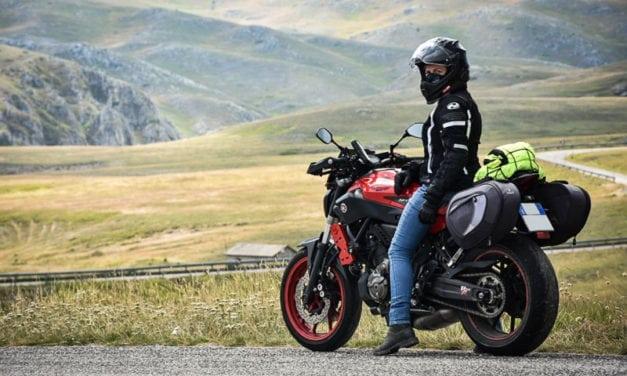 7 consigli per le vacanze in moto con una naked