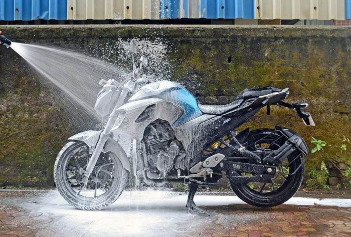 Tutorial: lavare la moto
