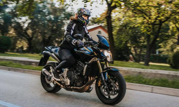 Held Kane: la giacca per motocicliste essenziale
